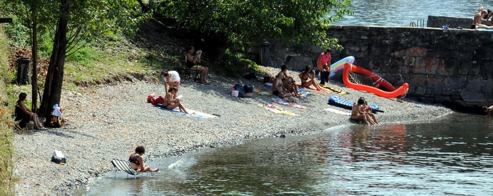«Liquami nel lago, colpa di un guasto»  Sotto accusa il depuratore di Olcio