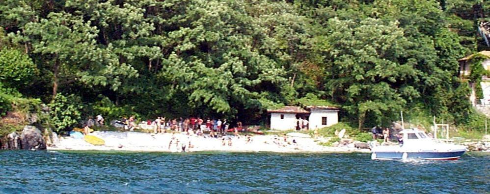 Controlli contro l'abusivismo sul lago  Barche, carrelli e tavole surf requisiti