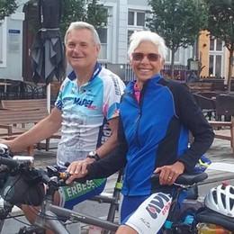 In bici per tremila km  Lia e Fausto da Erba