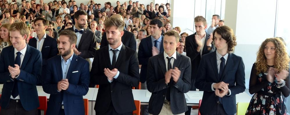 Cinque studenti vanno al massimo  Prendono la laurea con il 110 e lode