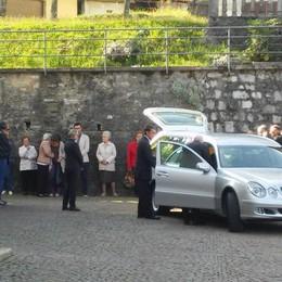 Addio alla donna uccisa in casa di riposo  Movente e omicida restano un mistero