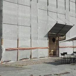 Restauro all'antico monastero  Lavori in corso sulla facciata