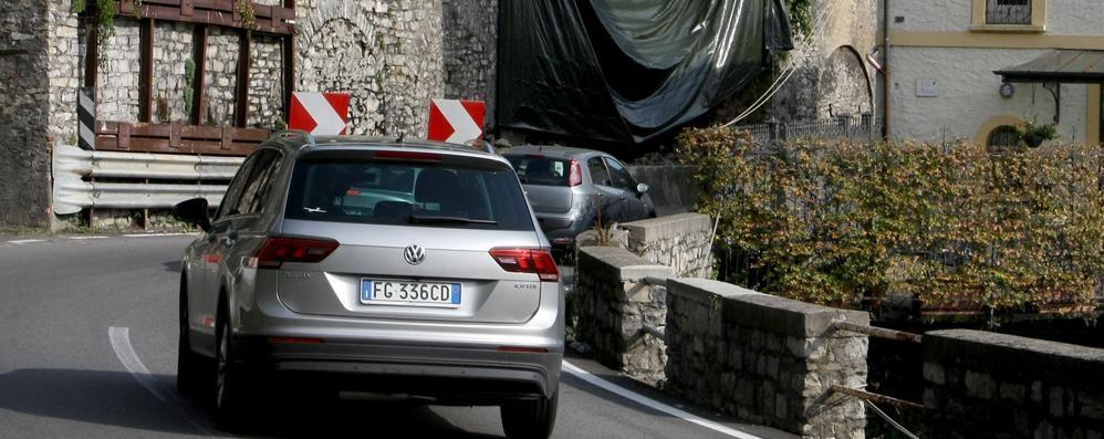 Frana di Argegno, scatta l'allarme  «Con le piogge rischio nuovi crolli»