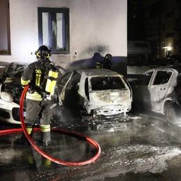 Germanedo: auto in fiamme,  esplosioni e tanta paura