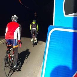 Un altro week end con la galleria vietata   Installate le prime luci ma niente ciclisti