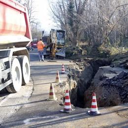 Ello,  voragine sotto l'asfalto,  La provinciale resta chiusa per lavori