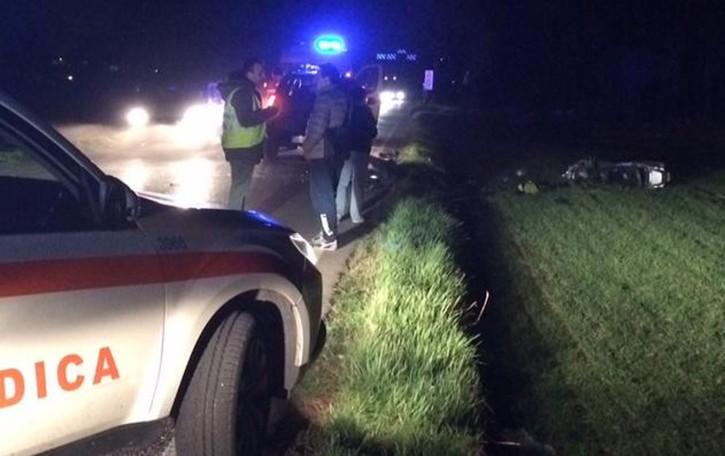 Cesana, auto si ribalta    quattro persone ferite