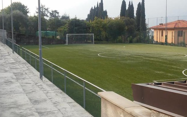 Lierna «Squadre di calcio miste vietate»  Scoppia la protesta all'oratorio