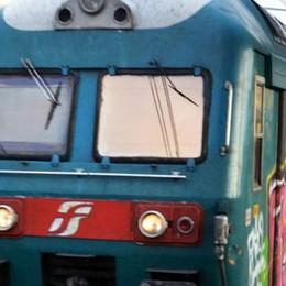 Bloccati i treni sulla Milano-Lecco   Scatta l'allarme per un giunto difettoso
