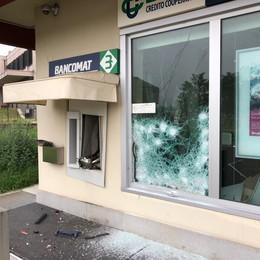 Con il gas fanno esplodere il bancomat   A Osnago il bottino è ancora da definire