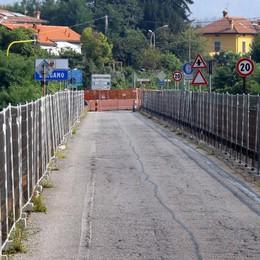 «Due anni senza ponte? Un disastro  Riapritelo almeno per pedoni e bici»