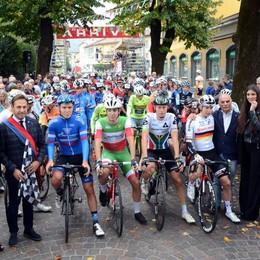 Grande domenica di ciclismo Il Piccolo Lombardia e il Muro