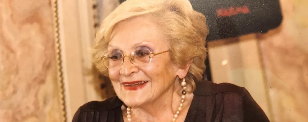 """Erba dice addio alla storica farmacista  Da 60 anni era l'anima della """"Centrale"""""""