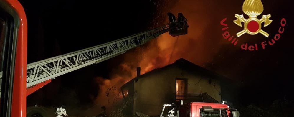 Sorico, ristorante in fiamme In fuga i cinquanta clienti