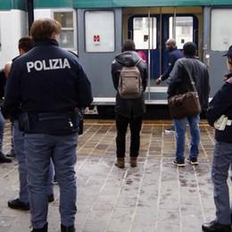 Lecco: rapinano un compagno   in treno, due arresti e una denuncia