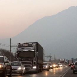 Traffico di rientro intenso, ma la nuova 38 regge l'urto