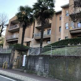 Paderno, condominio assediato dai ladri  Cacciavite alla gola per riuscire a fuggire