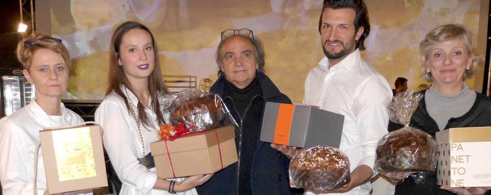 Folla di golosi per i panettoni  Tante proposte per dolci feste