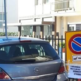 Ora il parcheggio per disabili si può fare Ma vicino a un altro locale: «È ripicca»