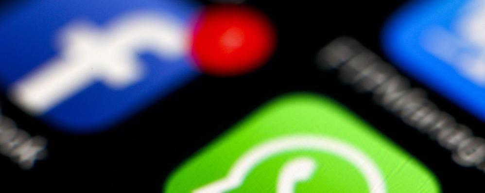 Rimborsopoli, la politica  e i mali della rete Rimborsopoli, la politica e i mali della rete