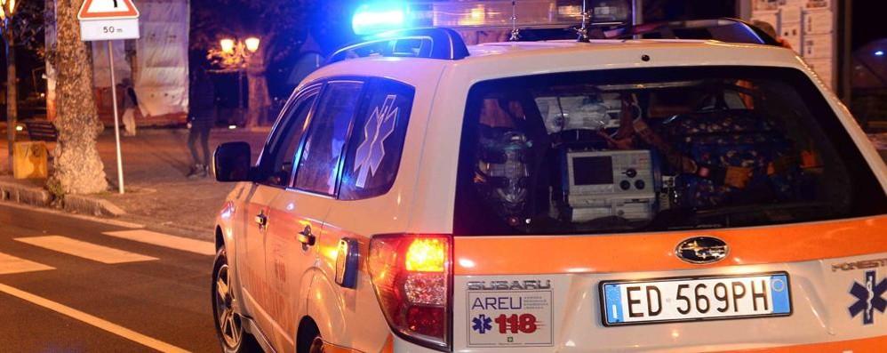 Dervio, ruba un'auto del 118  e finisce fuori strada: arrestato