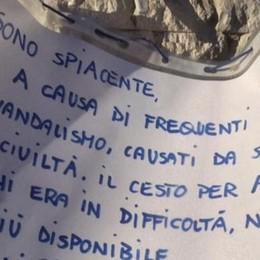 Lecco, troppi vandali, addio cesta   «Mi arrendo, ora ho paura»