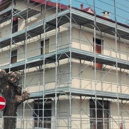 A Calolzio non si fidano delle smentite  Oggi presidio anti profughi all'ex hotel