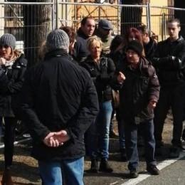 Commercianti e residenti, un mezzo flop  A Calolzio in quaranta  contro i migranti