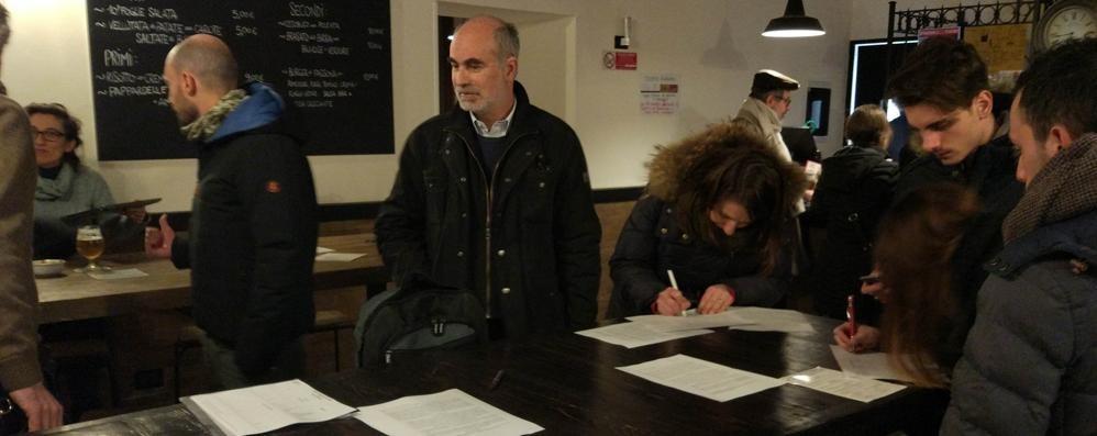 Cinquecento firme in due giorni  «Disagi sui treni, bisogna cambiare»