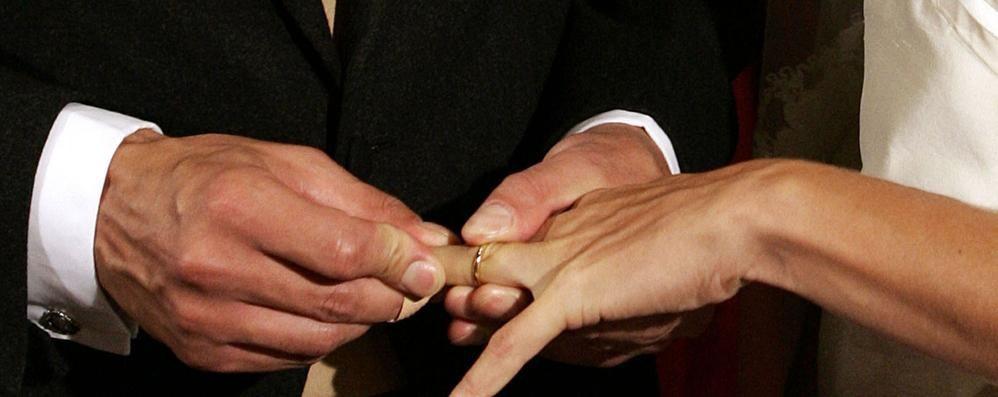 Il paese si spopola, condonata la Tari  a chi si sposa e resta