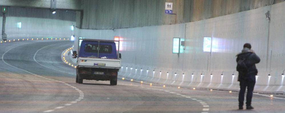 Incidente nel tunnel di Monza  Riaperta la statale 36
