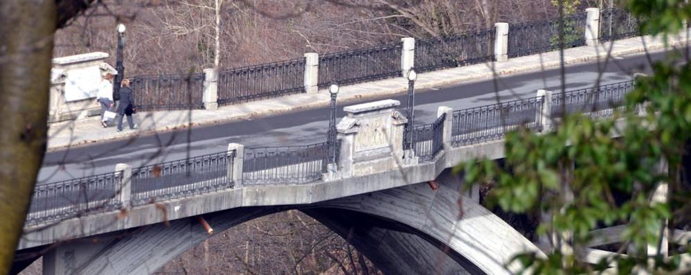 Tragedia al ponte della Vittoria  Uomo si toglie la vita a Cremeno