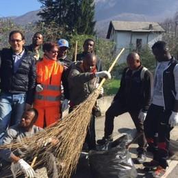 Profughi al lavoro in aiuto del Comune  Invernizzi «Ci sto ripensando»