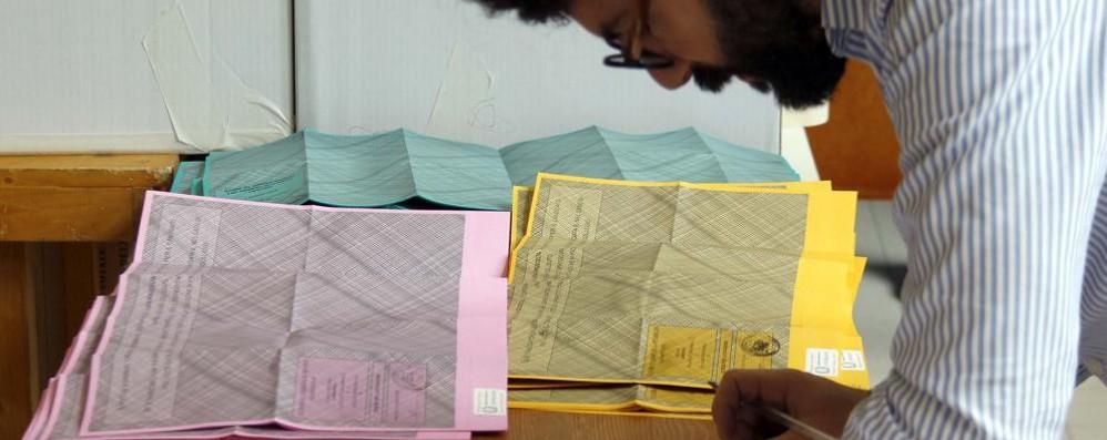 Lega, pieno di voti nel Lecchese  Il centrodestra vince tutte le sfide Crollo Pd, Trionfo 5 Stelle     Qui i risultati delle Regionali   Lecco, i risultati della CAMERA  e del SENATO