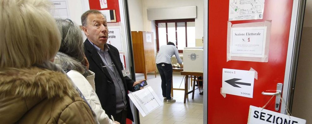 Elezioni a Lecco: la Lega a valanga  Il Pd regge in città, vanno su i Cinque stelle