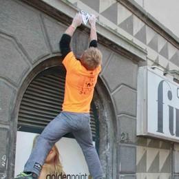 Spettacolo sui muri in città. Torna lo street climbing