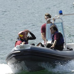 Moto d'acqua in difficoltà  A riva grazie ai pompieri