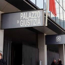 «Soldi e merce per ventimila euro»  Minacce ed estorsione, quattro anni