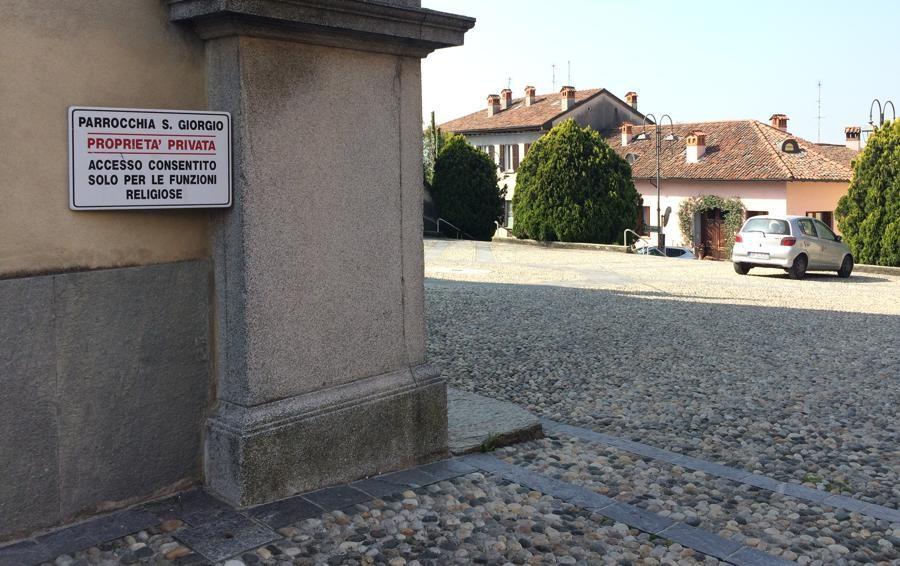 «Sosta selvaggia sul sagrato, ora basta»  A San Giorgio posteggia solo chi prega