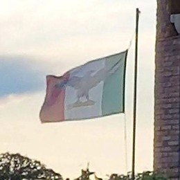 Monguzzo, sventola la bandiera di Salò  Proteste di antifascisti e Anpi