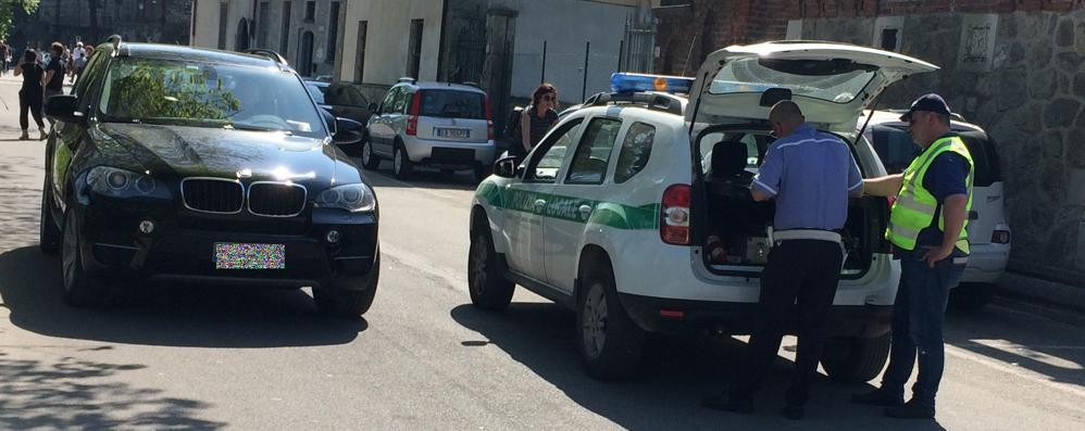 Ztl a Brivio, multe lungo l'Adda  E resta il divieto di balneazione