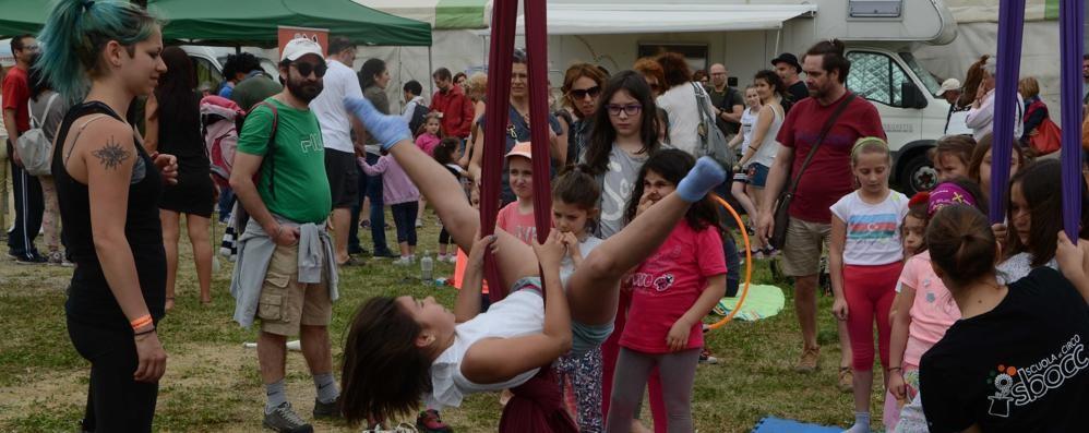 Imbersago, i giocolieri di tutta Europa   incantano i bambini