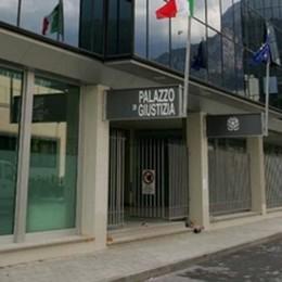 Valmadrera, tavoli e sedie per 73 mila euro  Assegni scoperti, un anno di condanna