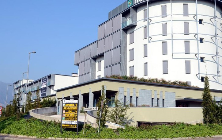 Bar tabaccheria a Garbagnate  Razzia dei ladri, 20 mila euro