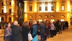 «Meno abbonamenti e posti per tutti al Teatro Sociale»