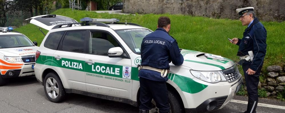 Ello: automobilisti e vigili, l'ira del sindaco  «Troppe infrazioni e multe in calo»