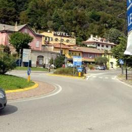 Valmadrera, chiusura per gli asfalti  Traffico deviato su viale Promessi sposi