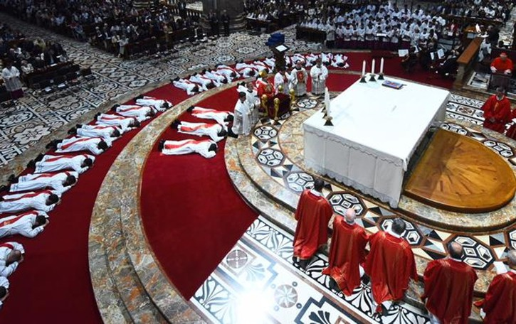 Don Simone, ordinazione in Duomo  E stamattina celebra la prima messa