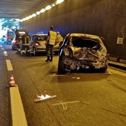 Incidente in galleria a Colico  Un ferito, traffico in tilt