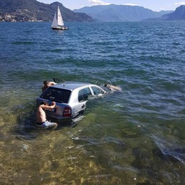 Dervio, niente freno  L'auto finisce nel lago